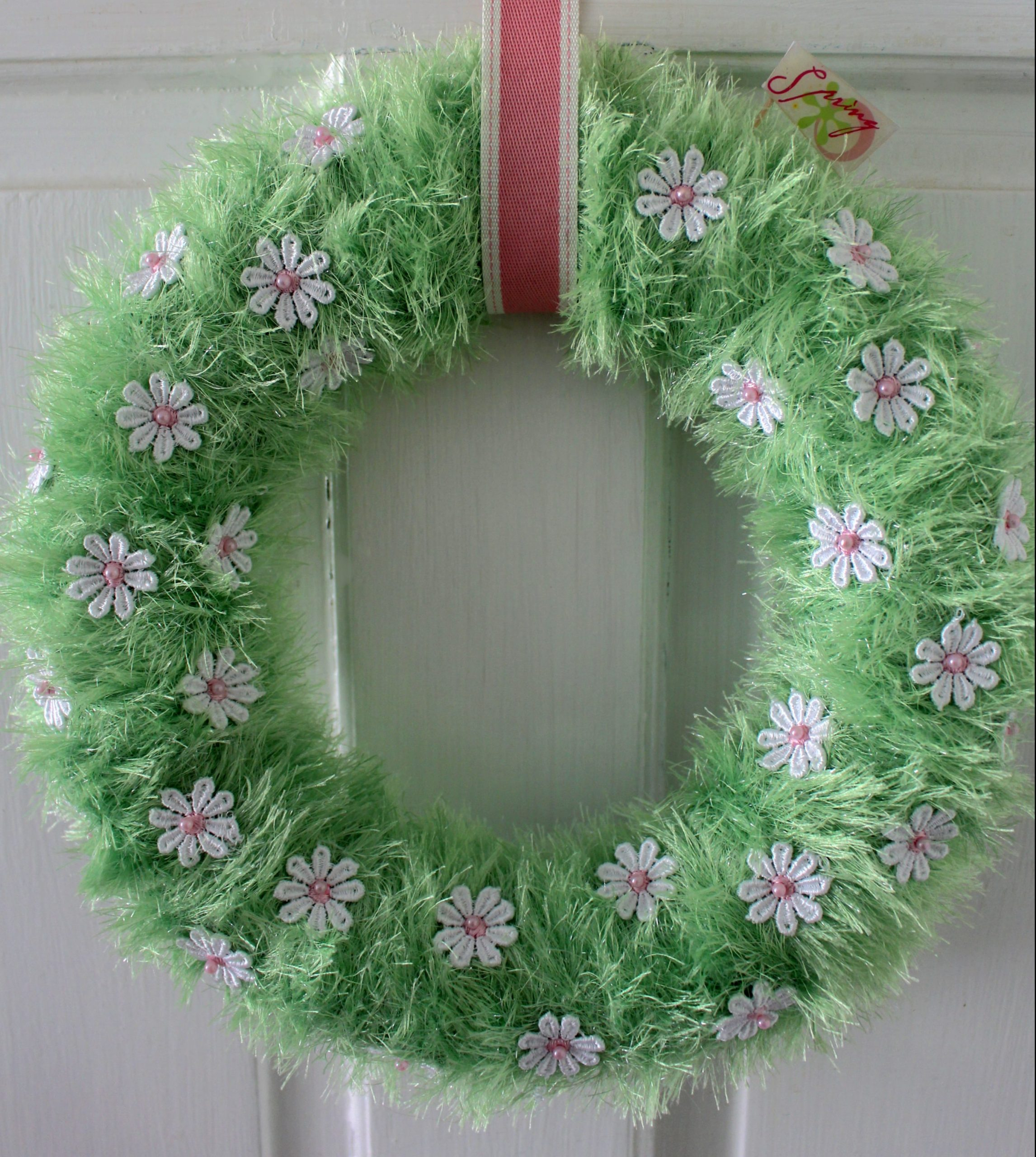 Easy spring wreath – no craft experience required!
