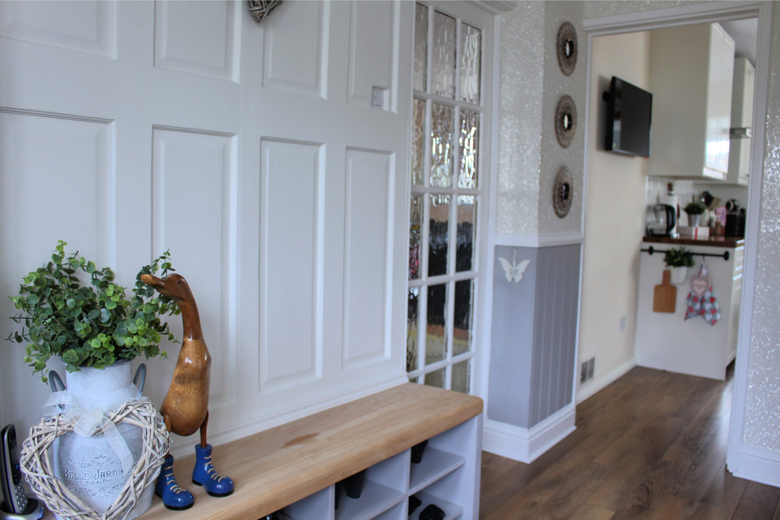 Up-cycled old doors hall seat