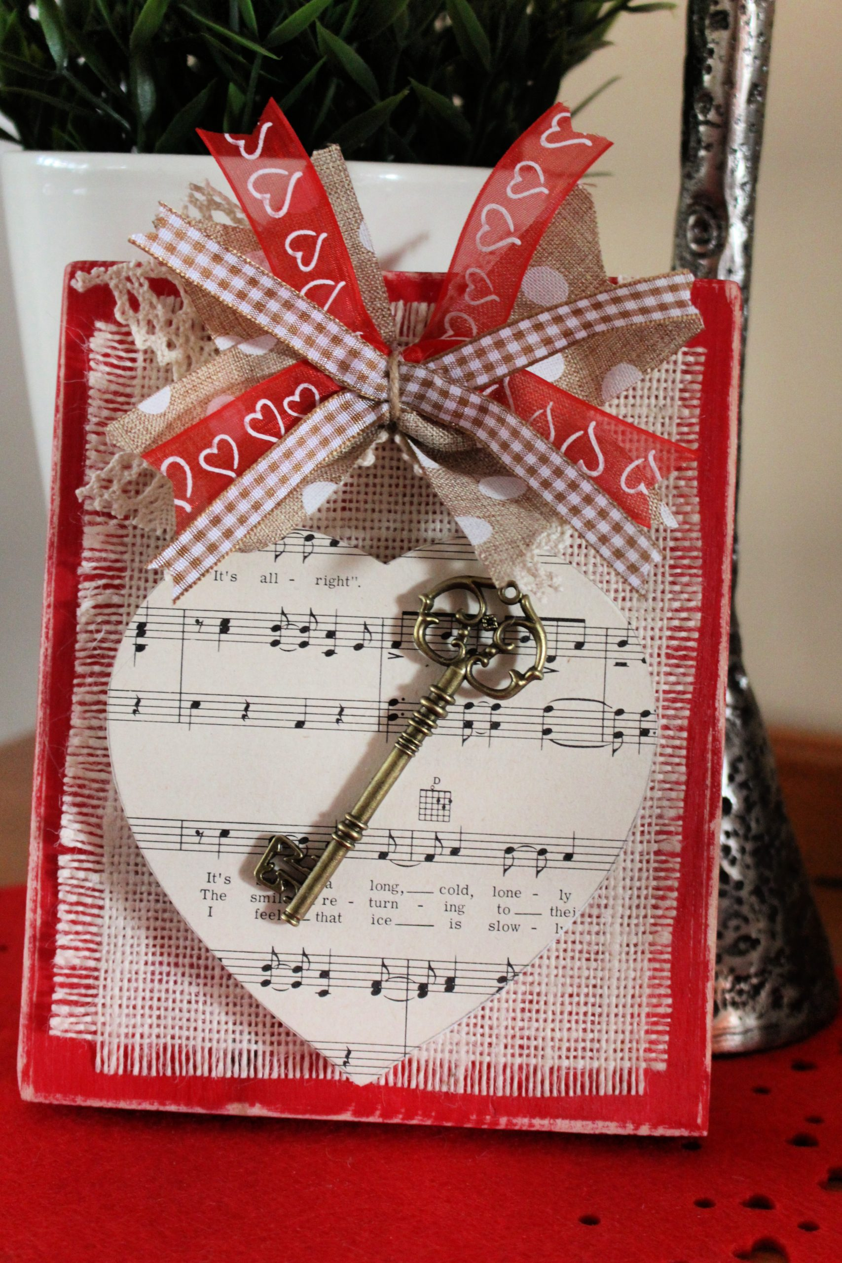 Valentine Key to my Heart Shelf Sitter with music sheet and ornamental key