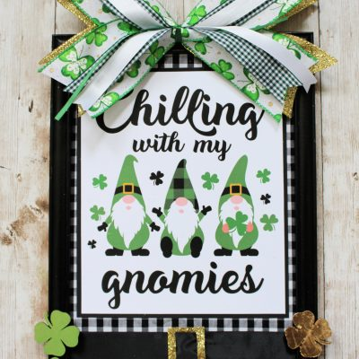 Chilling with my Gnomies – Cute St Patrick's Day project