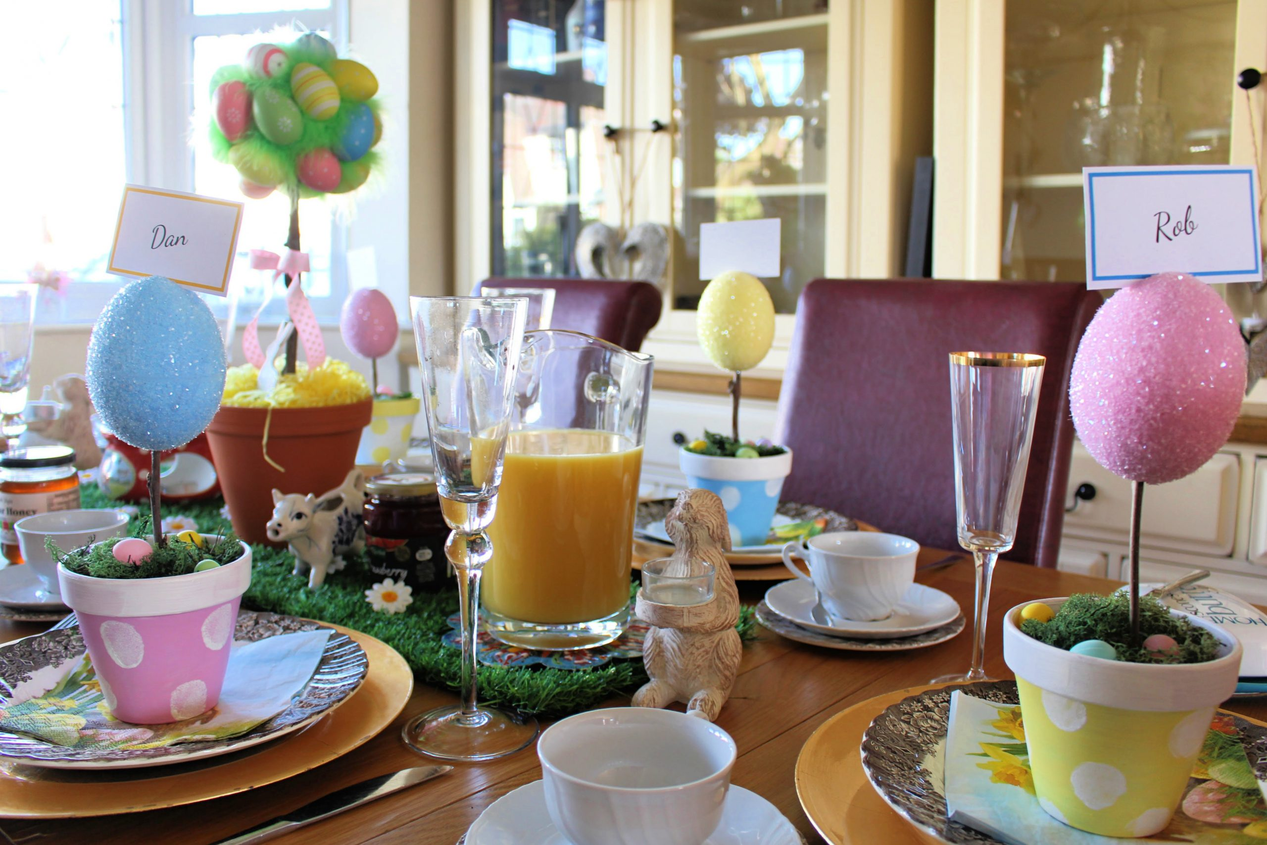 Glitter Easter Egg Place name Holder on Easter breakfast table