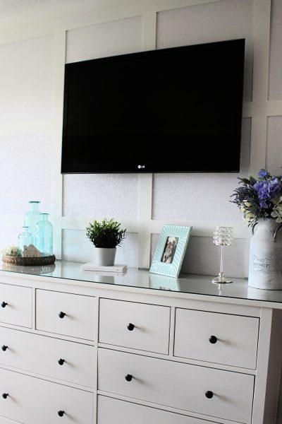 glitter wallpaper bedroom panelling