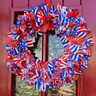 How to make a (patriotic) rag wreath