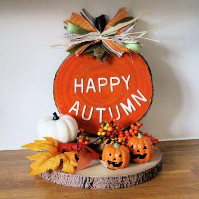 Simple wood slice pumpkin decoration