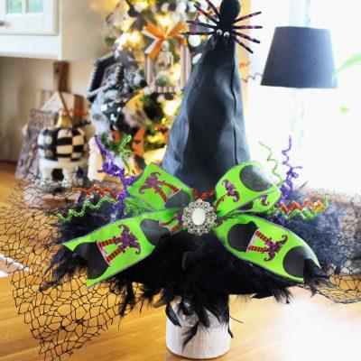 £1 Witch Hat Halloween Centrepiece
